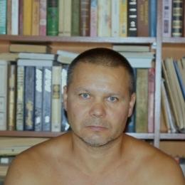 Восточный парень ищет  девушку в Воронеже для секс встреч