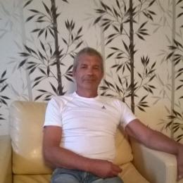 Парень из Москвы, ищу девушку для секса. Люблю делать куни.в разных позах и очень долго