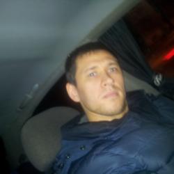 Парень из Москвы скучает, ищет для секса девушку